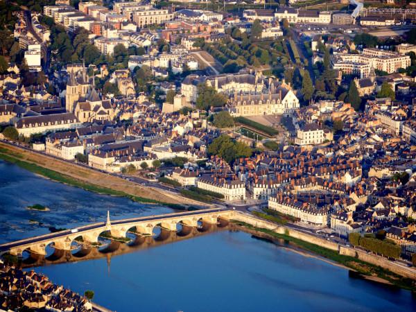 Blois, ville royale des bords de Loire. A découvrir en montgolfière