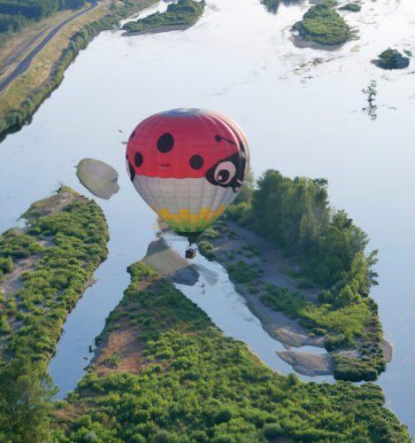 La faune et la flore de la Loire s'observe tranquillement en montgolfière
