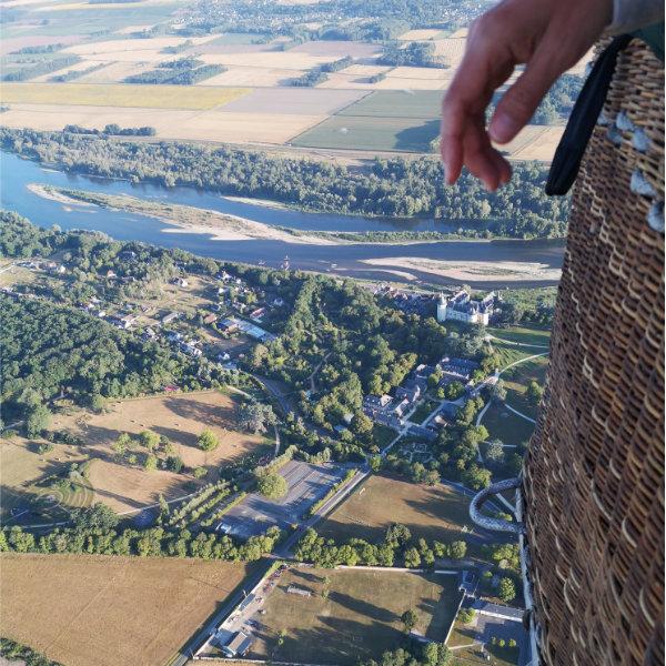 Embarquer pour un voyage aérien de rêve au-dessus des châteaux et de la Loire.