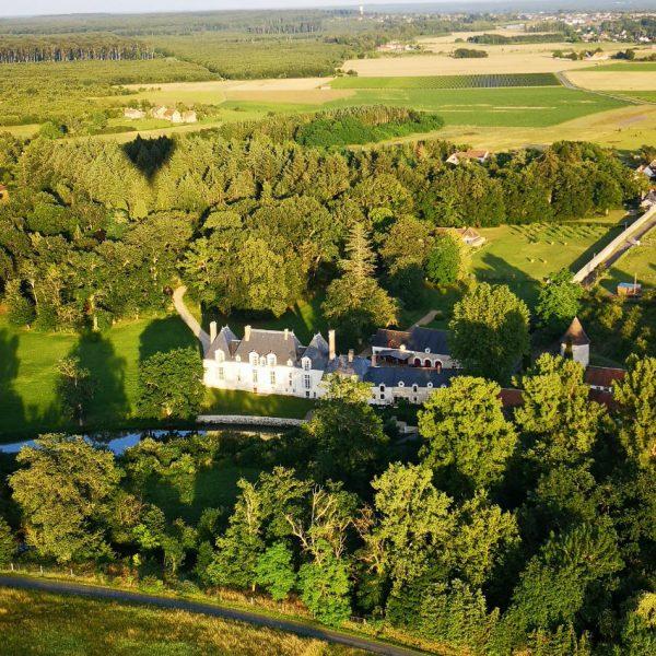 Le patrimoine et les paysages du val de Loire sont uniques. Admirez, le temps d'un vol en montgolfière le charme apaisant de ces paysages